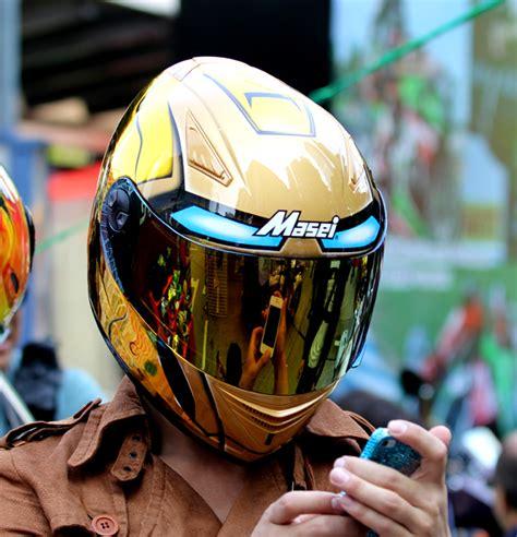Motorradhelm Gold by Masei 830 Ironman Gold Chrome Dot Ece Helmets ヘルメット