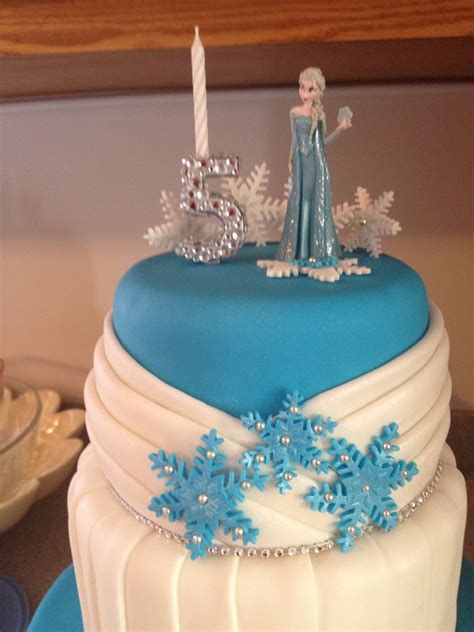 disney frozen themed cake  pleats  hunter