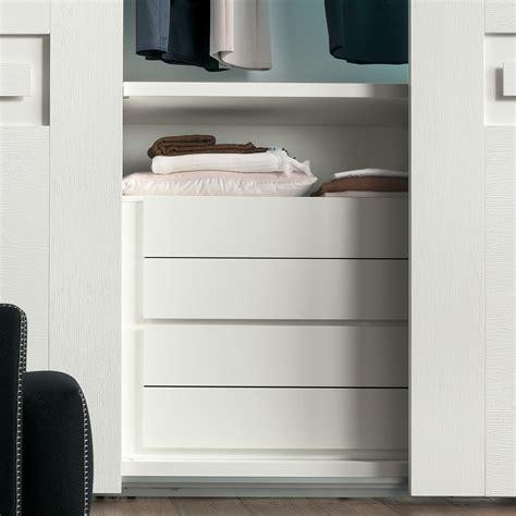 cassettiera da armadio idee un armadio su misura risparmiare