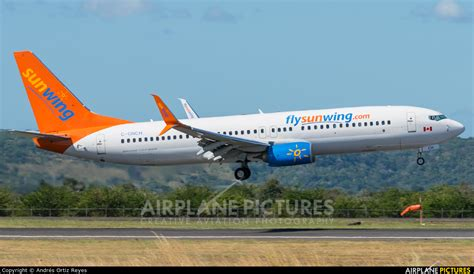swing airlines c gnch sunwing airlines boeing 737 800 at liberia