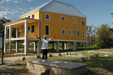 hurricane katrina houses how brad pitt transformed the lives of new orleans