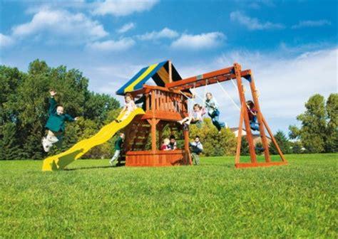 giochi da cortile per bambini i giochi da giardino rainbow per una primavera all aperta