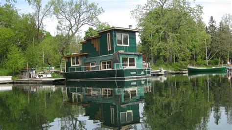 living on a boat in ontario cottages and houseboats on toronto island houseporn ca