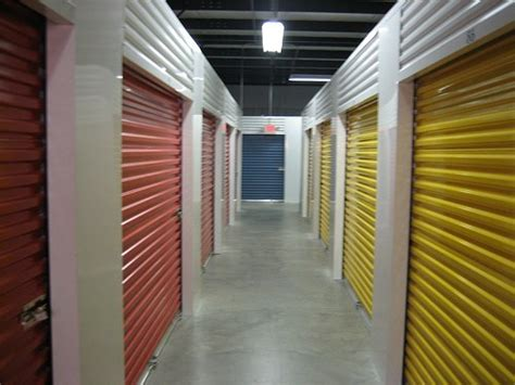 solutions  keeping pests   storage units storage