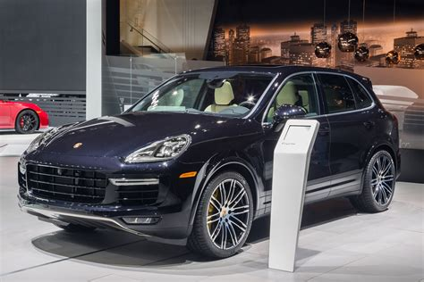 porsche jeep 2015 2016 porsche cayenne turbo s 570 hp and sub 8 minute