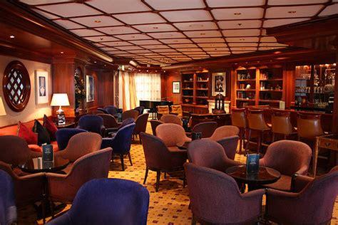 celebrity michael s lounge bars celebrity century kreuzfahrtschiff bilder
