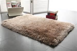 tapis shaggy descente de lit taupe 60x90 valdo miliboo