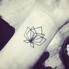 Geometric Lotus Flower 1000 Ideas About Geometric Flower Tattoos On