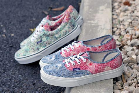 Vans Authentic Motif 10 vans liberty 2013 sneakers