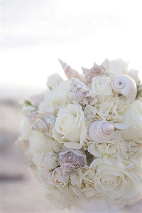 tipologia di fiori bouquet di conchiglie perfetto per un matrimonio tema mare