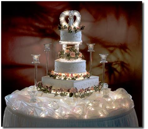 green bay   Wedding Dresses: Elegant Wedding Cakes   Engagement Cakes