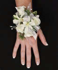 How To Make A Wristlet Corsage Beautiful White Corsage Personal Flowers Gallery