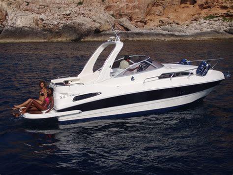 stama 20 cabin barca a motore di lusso lo stama 28 semplicemente superiore