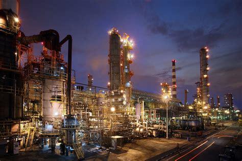 mobil petroleum exxonmobil singapore refinery to expand
