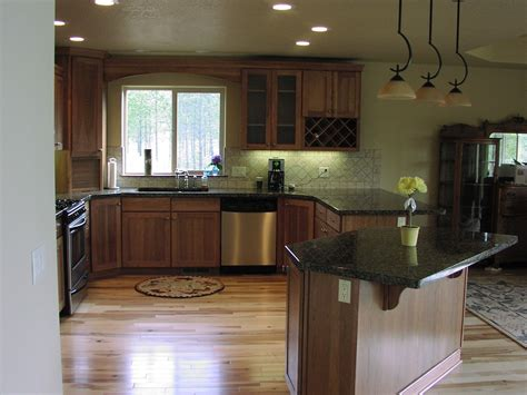 kitchen colors with hickory cabinets kitchen colors for hickory cabinets hickory cabinets and
