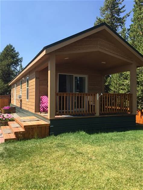 Yellowstone Vacation Cabins by Snowmobiling Review Of Yellowstone Vacation Cabins West