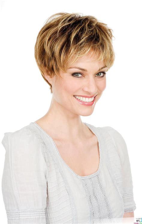 photo coiffure courte femme les tendances mode du