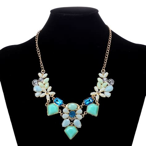 8 Pretty Necklaces For Summer by New Arrival Resin Fashion Colorful Charm Gem Flower