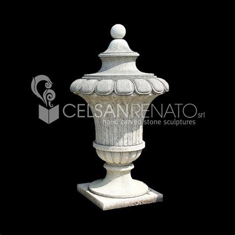 vasi in pietra realizzazione di fioriere e vasi in pietra di vicenza