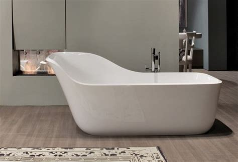 stylish and comfortable bathtub with backrest wanda
