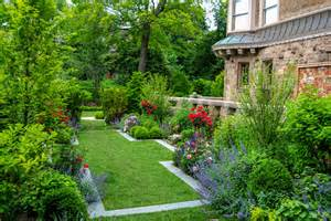 Lawn Border Design Ideas Stunning Flower Bed Border Ideas Decorating Ideas Gallery In Landscape Traditional Design Ideas