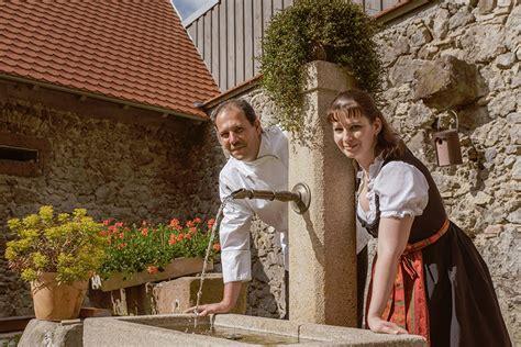 waldhütte mit übernachtung gastst 228 tte neun linden herbergen vogtsburg im