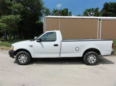 2001 ford f 150 xl sell used 2001 ford f 150 xl standard cab 2 door 5