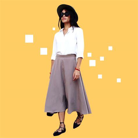 Sepatu Balet Lancip 5 cara stylish memadukan kemeja putih dengan rok