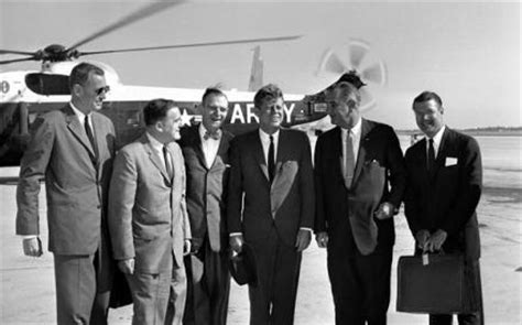 f kennedy cabinet how to measure for a president why a successful president
