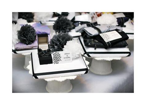 Kayo Kotak Souvenir Lake Blue black white gift tray ola lola weddings