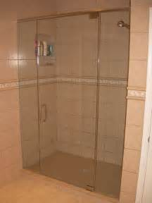 frameless shower door pictures a gallery framelessshowerdoor17 jpg