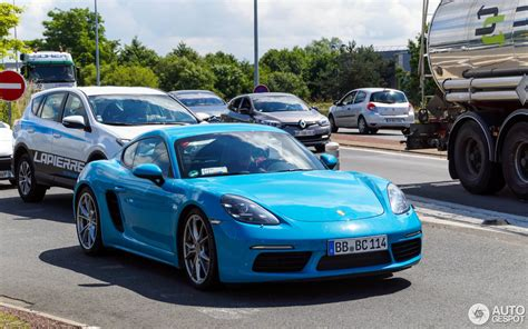 miami blue porsche 718 porsche 718 cayman s 20 june 2016 autogespot