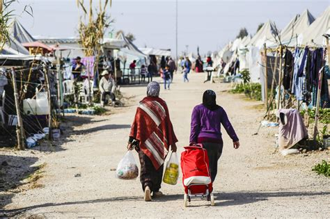 syrian turkey refugee cs syrian refugee crisis compassion fatigue is a threat to