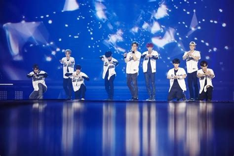 exo exordium exo breaks yet another record with solo concerts in seoul