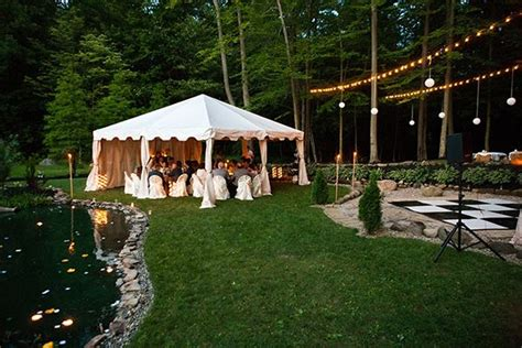 small backyard wedding reception ideas sarah and zac s 7 000 backyard wedding