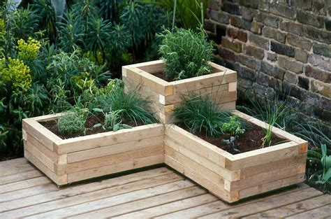 Diy Garden Planter by 7 Unique Diy Garden Planter Boxes Diy Thought