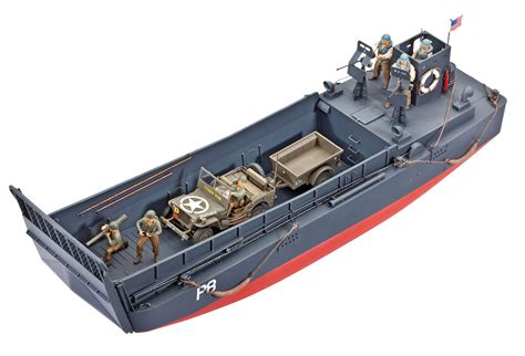 italeri higgins boat revell lcm 3 landing craft and off road vehicle jeep 1