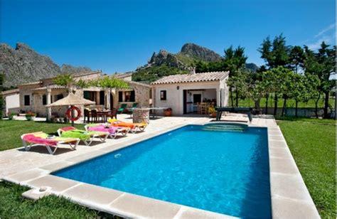 2 bedroom villas in majorca villa to rent in puerto de pollen 231 a majorca with private