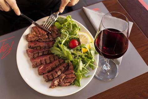 come cucinare una fettina di carne come cucinare la carne 5 consigli per non sbagliare raf