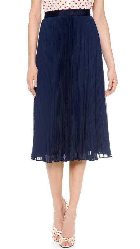 pleated midi skirt navy in
