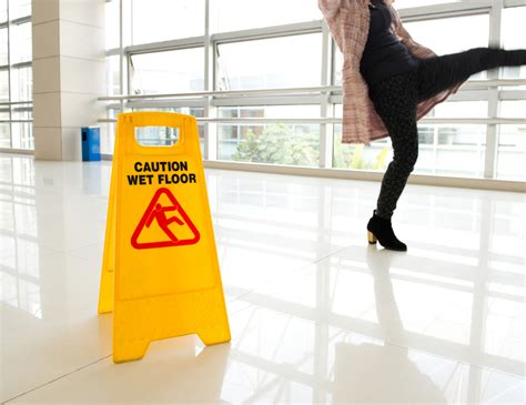 accidents and injuries at work simpsons solicitors
