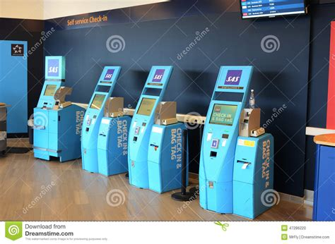 lost bags at united airlines luggage counter editorial scandinavian airlines self service check in editorial