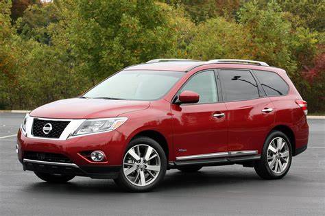 review of the 2014 nissan pathfinder hybrid sport utility