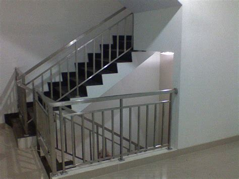 contoh pagar tangga aglaproduct