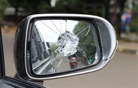 Spion Mobil Murah cara dan tips memperbaiki spion mobil indonesiautosblog
