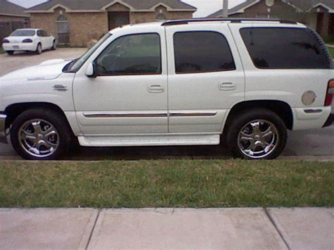 how to learn about cars 2002 gmc yukon xl 2500 navigation system 2002 gmc yukon overview cargurus