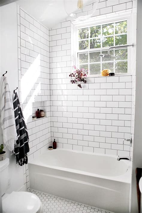 Bathrooms With Subway Tile Ideas by 25 Best Ideas About White Subway Tile Bathroom On