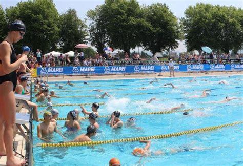 nuoto in vasca 600 atleti e 30 squadre in vasca al 16 176 trofeo citt 224 di