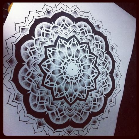 geometric tattoo chiang mai 32 best trippy line tattoos images on pinterest artist