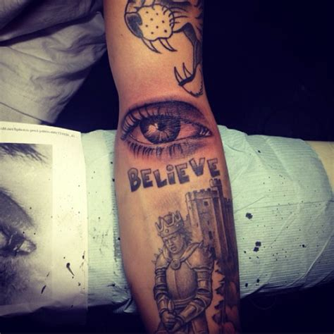 Justin Bieber Mom Tattoo | justin bieber s new tattoo mom s eye on you kid